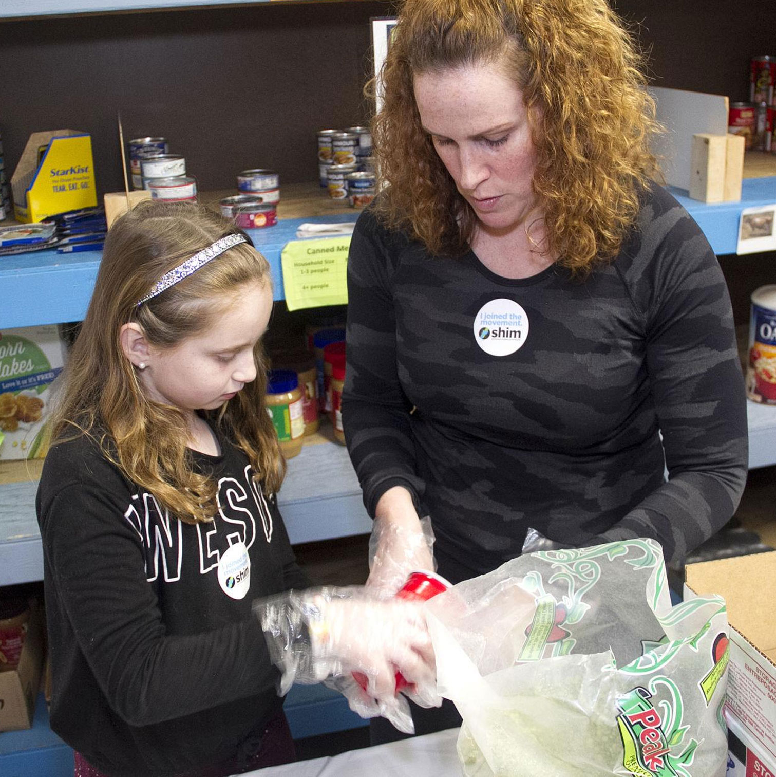 Mom and daughter volunteer at SHIM